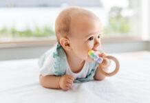 który gryzak dla niemowlaka jest odpowiedni?
