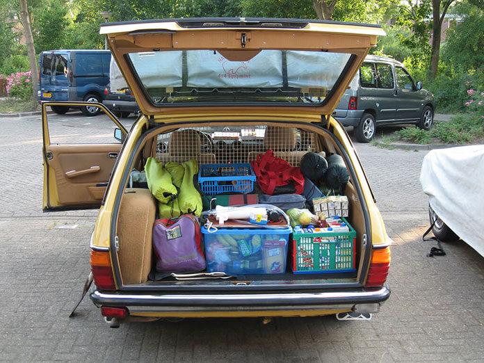 samochodem w podróż